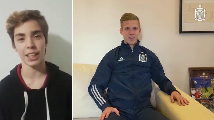 Dani Olmo, jugador de la Selección española, responde a sus fans por videoconferencia