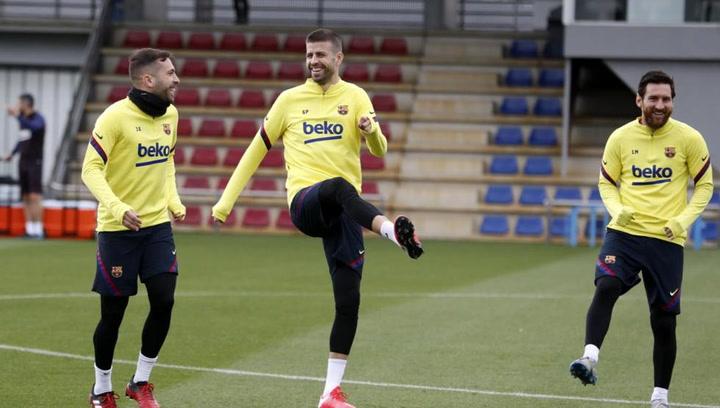 El Barça se entrena de cara al Clásico