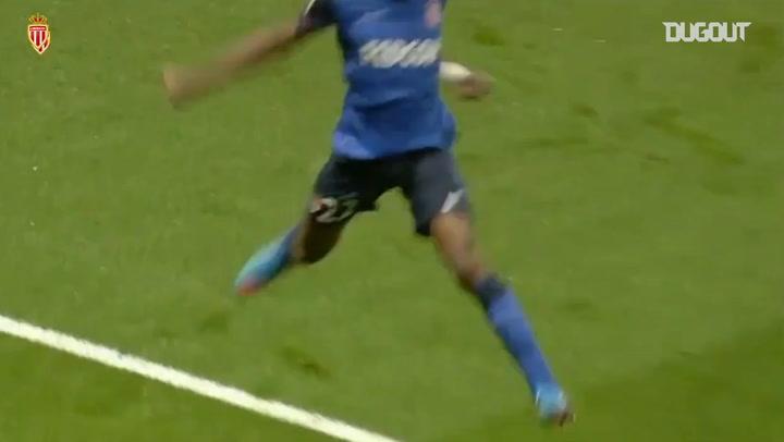 Geoffrey Kondogbia's long-distance strike stuns Arsenal