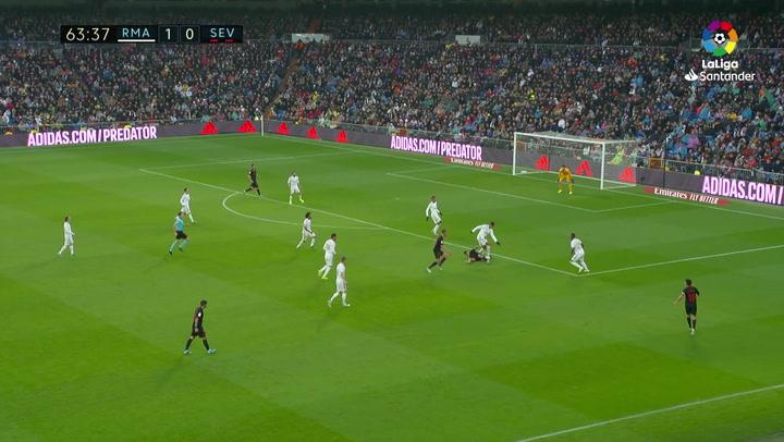 Gol de De Jong (1-1) en el Real Madrid 2-1 Sevilla