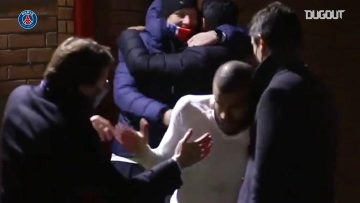 Las celebraciones del PSG en el vestuario de Old Trafford