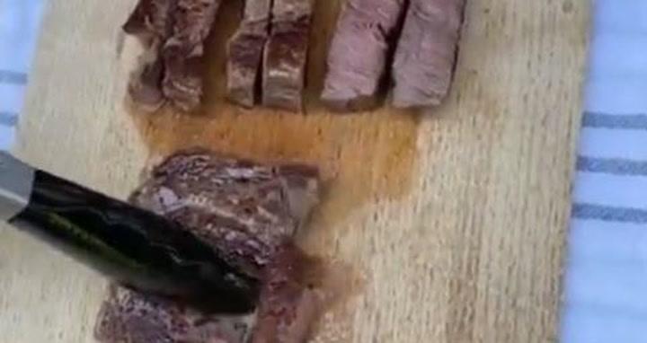 Jovic ha colgado un detalle de la barbacoa que ha realizado junto a sus amigos