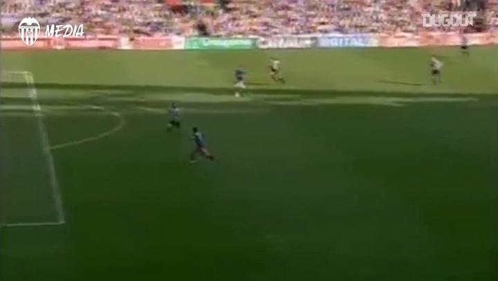 David Villa's first hat-trick for Valencia