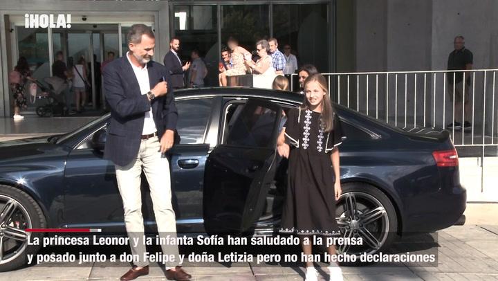 Los Reyes, la princesa Leonor y la infanta Sofía visitan a don Juan Carlos en el hospital