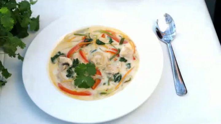 Hvordan lage asiatisk kyllingsuppe