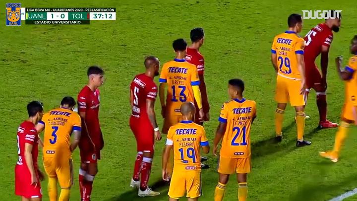 Gignac's record-breaking free-kick goal vs Toluca