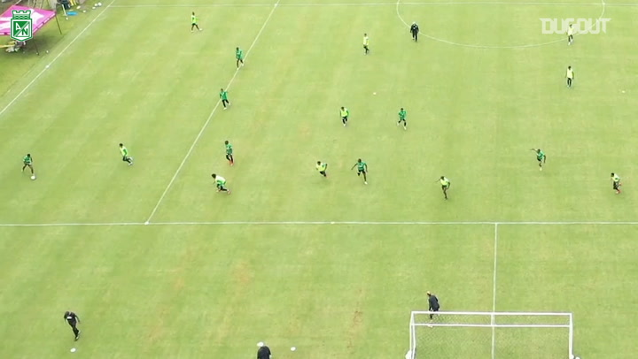 Fabián González's great goal during Atlético Nacional's training