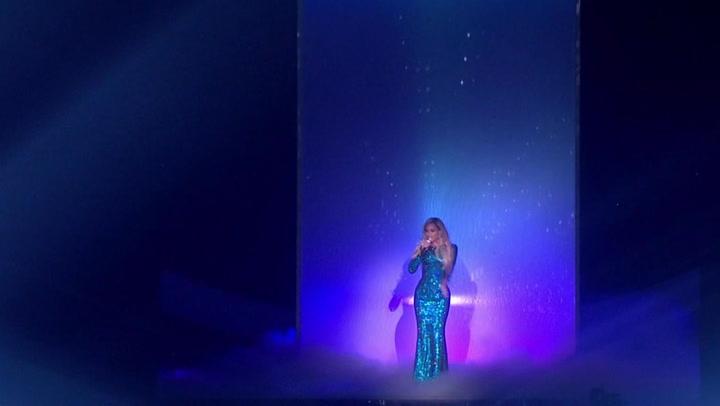 "Beyonce Performs ""XO"" At The 2014 BRIT Awards"