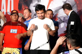 Manny Pacquiao and Keith Thurman arrive at the MGM Grand