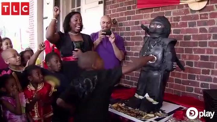8-årigs fødselsdag går amok: Børn smadrer kage til 17.000 kr.
