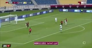 El tremendo blooper del arquero del equipo en el que juega James Rodríguez en Qatar