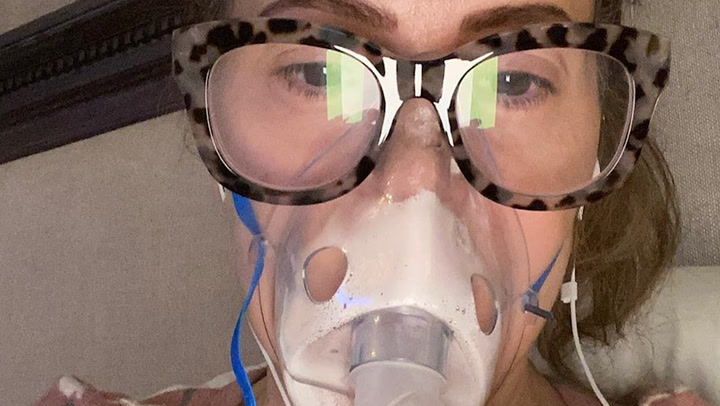 Alyssa Milano muestra en primera persona una de las consecuencias de la Covid-19