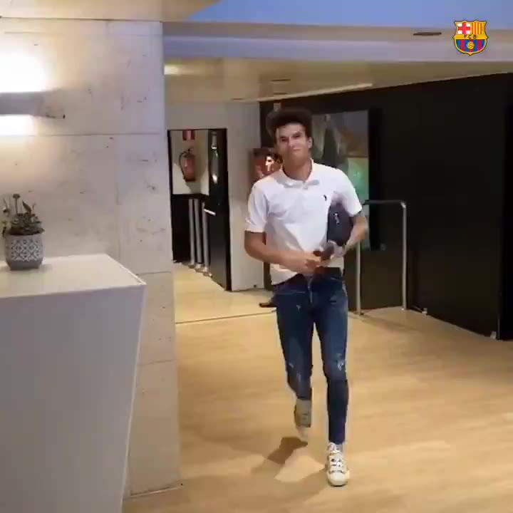 Los jugadores del Barça ya están en el Camp Nou para el estreno de Setién ante el Granada
