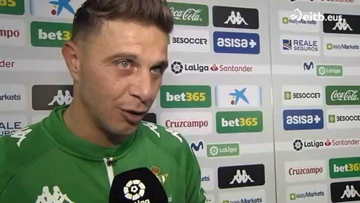 Joaquín se acuerda de Aduriz después de marcar su hat-trick