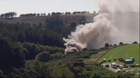 Muertos y heridos en descarrilamiento de tren en Escocia