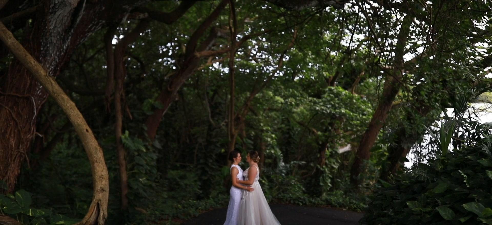 Emma + Nicole | Kaneohe, Hawaii | Moli'i Gardens