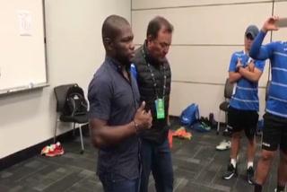 Tyson Núñez llora mientras felicita a Sub-20 de Honduras que clasificó al Mundial de Polonia