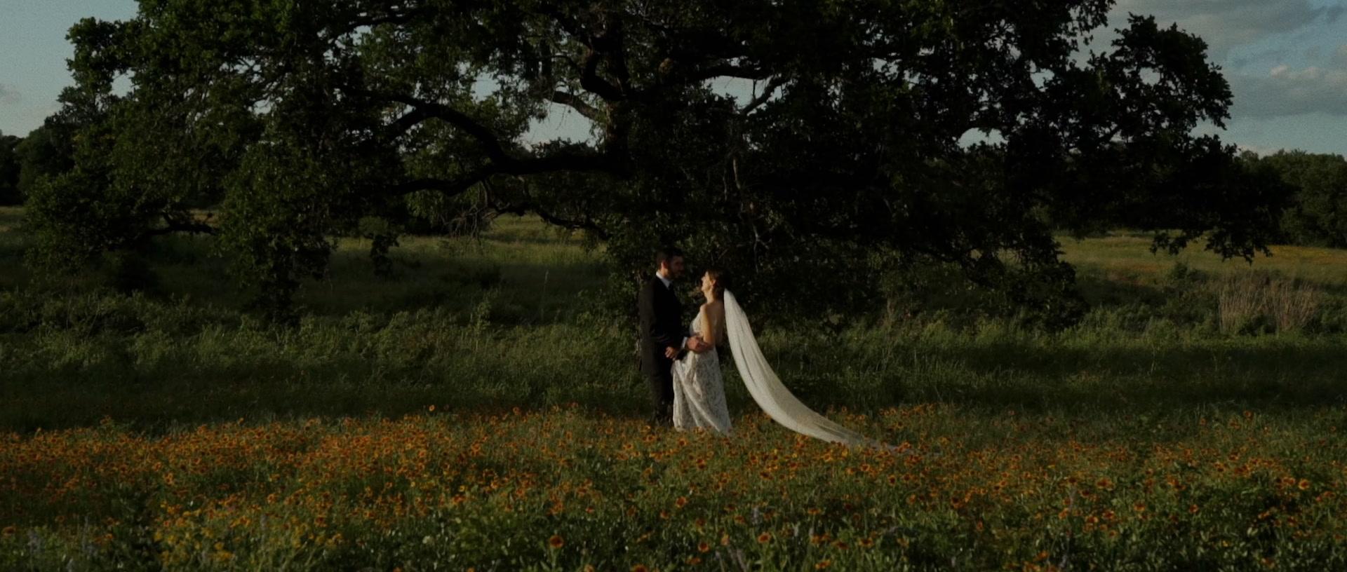 Erin + Brent  | Austin, Texas | Lady Bird Johnson Wildflower Center