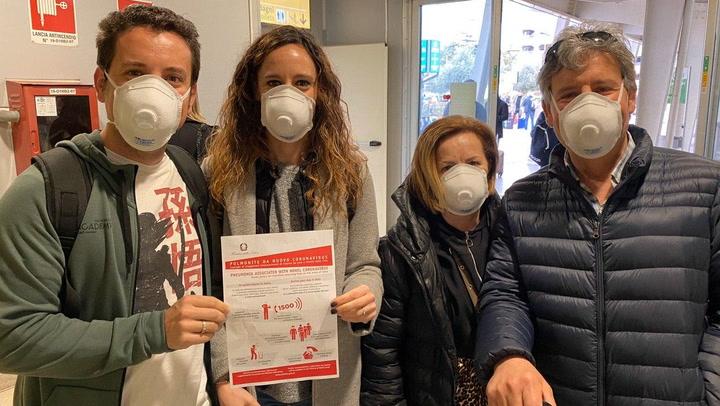 La afición culé pasa el test del Coronavirus a su llegada a Italia
