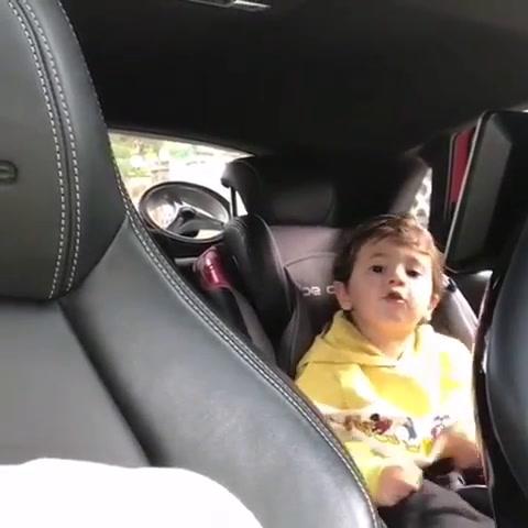 El tierno video de Mateo, el hijo más chico de Messi que canta en catalán