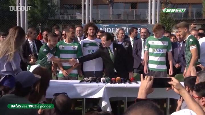 Bursaspor'dan Görkemli İmza Töreni