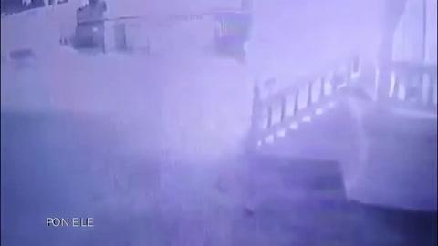 Hombre se prende fuego en templo budista por no ganar lotería
