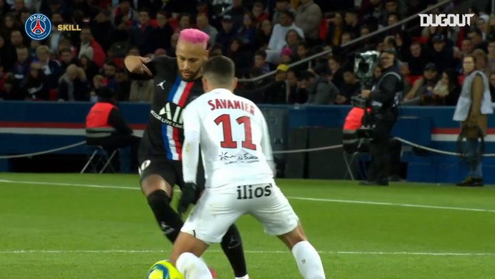 Neymar Jr và Ronaldinho: Những màn thể hiện kỹ thuật tại PSG