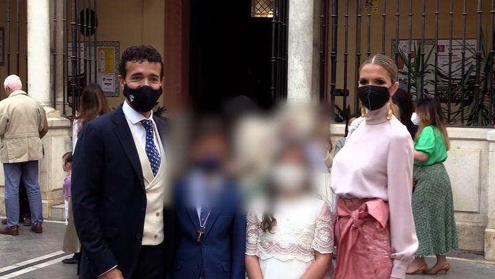 La elegante comunión en Sevilla de los mellizos de Víctor Puerto