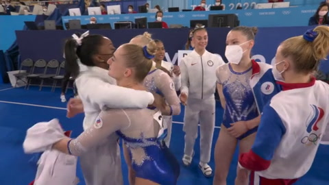 Rusia gana oro por equipos ante EEUU, mermado por salida de Biles