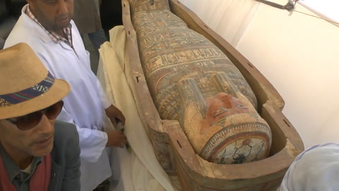 Arqueólogos descubren una nueva tumba de un faraón en Luxor