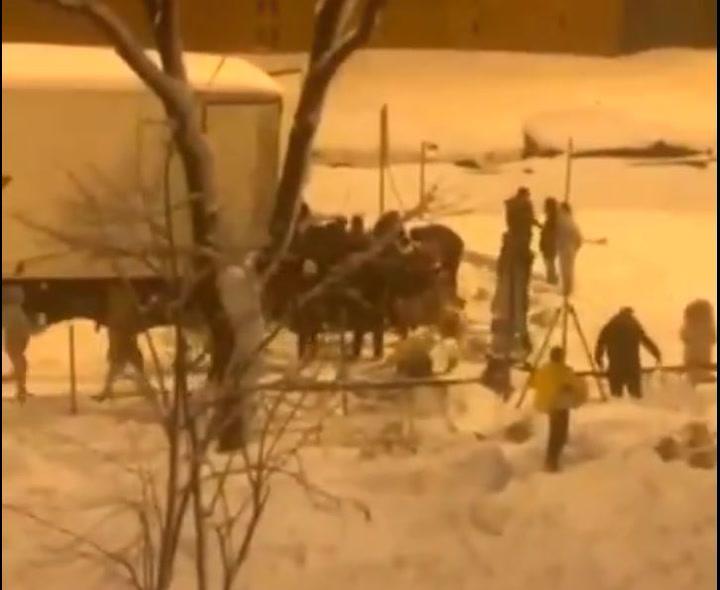 Saquean un camión de comida en plena nevada en Madrid