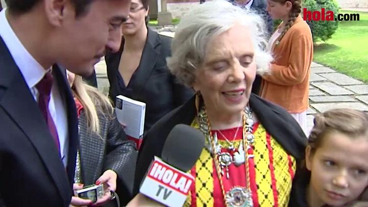 Elena Poniatowska recibe el premio Cervantes rodeada de sus nietos: \'Mi experiencia con la Familia Real ha sido muy buena\'