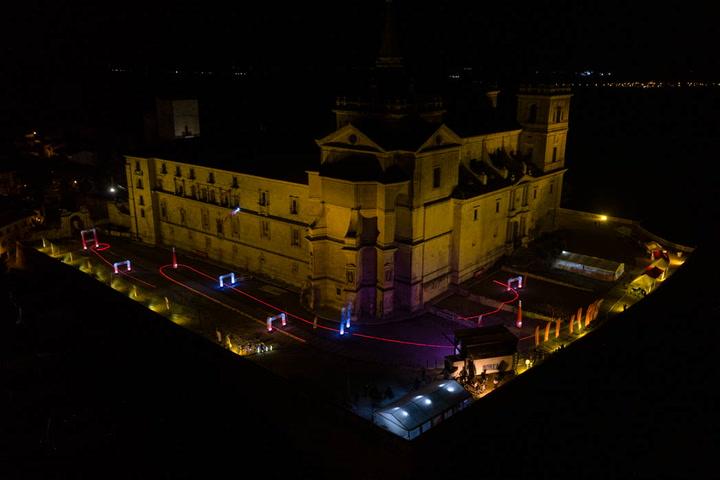 El show de la Iberian Drone League sobrevuela el Monasterio de Uclés