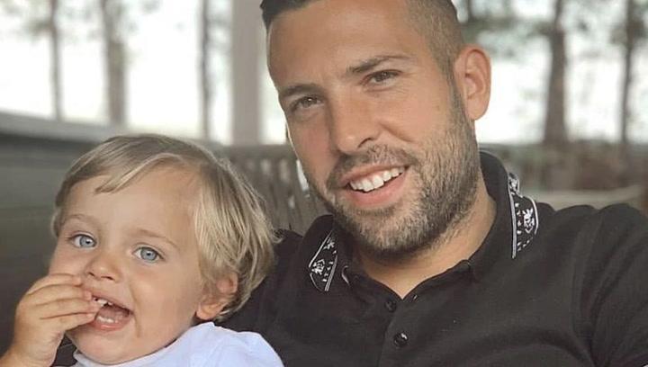 Jordi Alba le compra a su hijo un Bentley