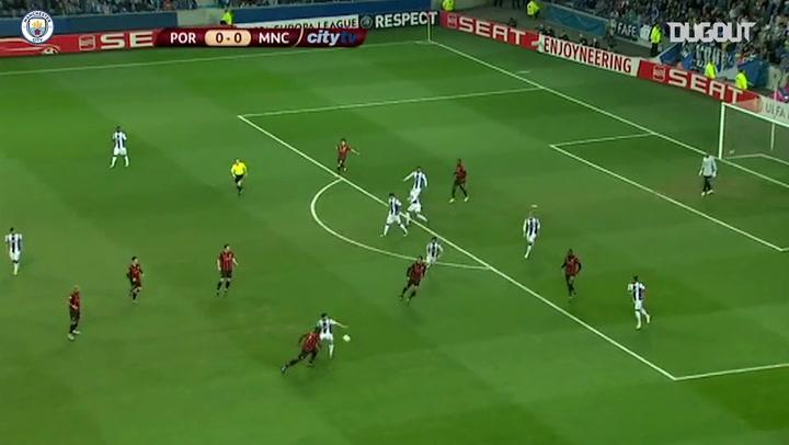Agüero decide, e Manchester City bate o Porto na Liga Europa; relembre
