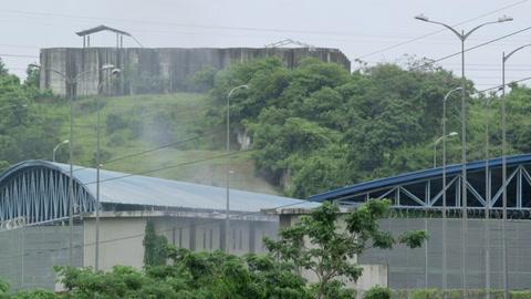 Aumenta a 79 la cifra de presos muertos en revueltas en cárceles de Ecuador