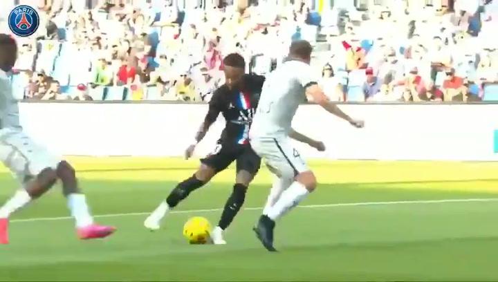 Neymar marcó un golazo 'marca de la casa' ante el Le Havre