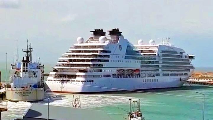 «Løpsk» luksusskip skapte kaos i havna