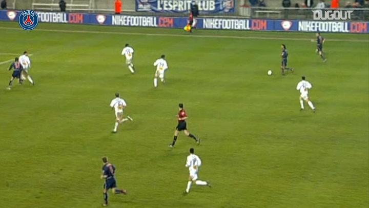 Increíble jugada y asistencia de Ronaldinho con el PSG