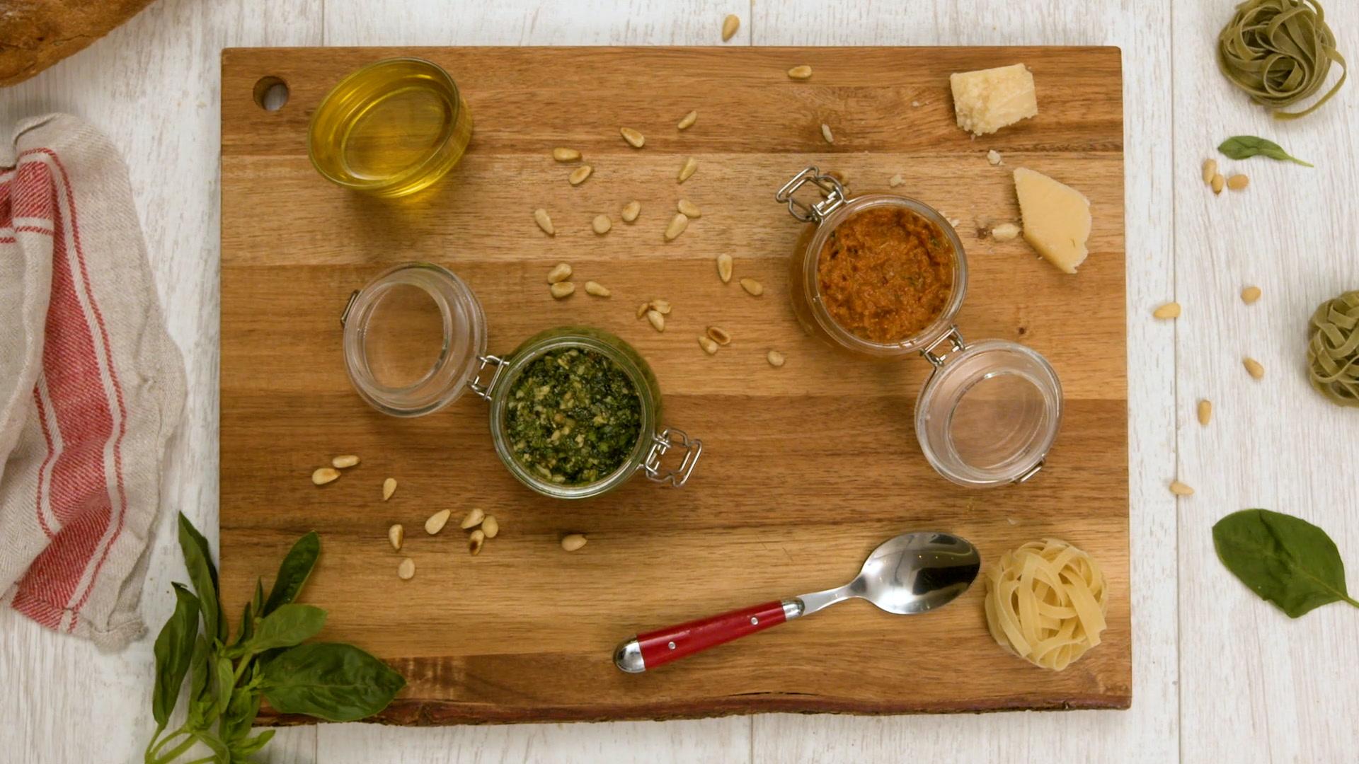 Cómo hacer pesto rojo y verde