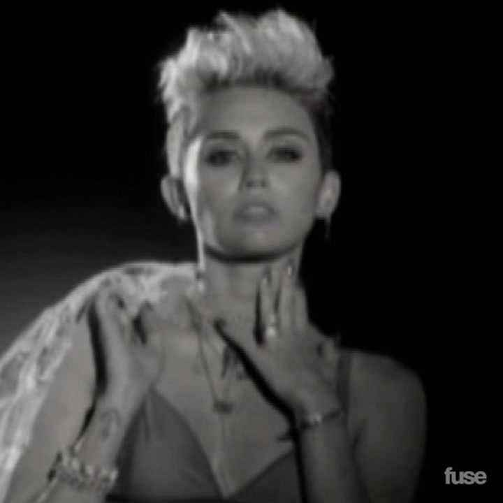 """Big Sean """"Fire"""" Music Video Review Featuring Miley Cyrus"""