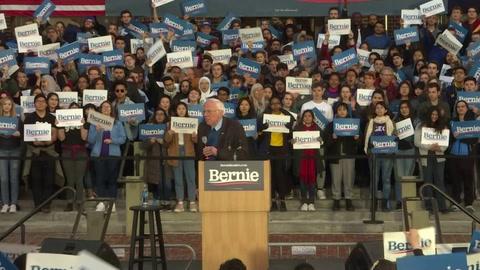 Bernie Sanders abandona la carrera presidencial de EEUU