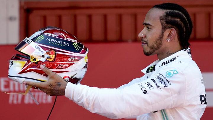 Oficial: Hamilton renueva por un año con Mercedes