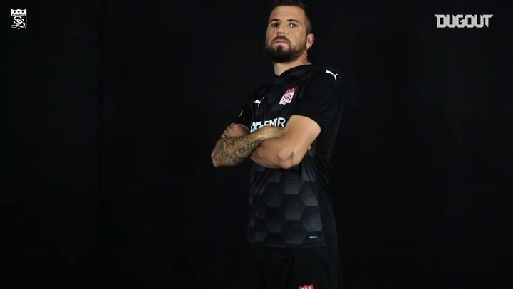 Demir Grup Sivasspor 2020-21 Sezonu Formalarını Tanıttı