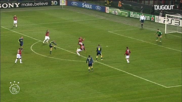 Ajax score two past AC Milan at the San Siro