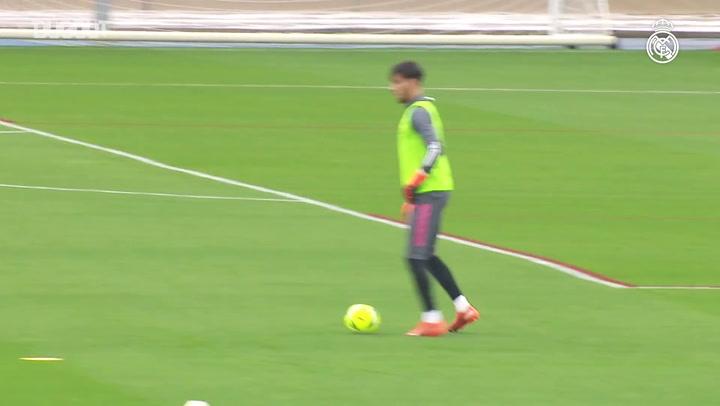 Real Madrid aumenta intensidade de treino para clássico contra o Barça