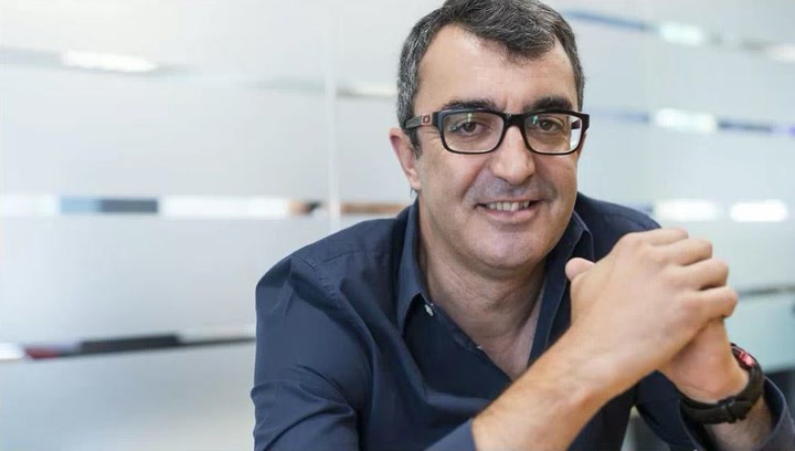 Javier Guillen director de la Vuelta comunica oficialmente las nuevas fechas de la prueba