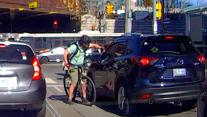 Rasende syklist tar trafikk-hevn