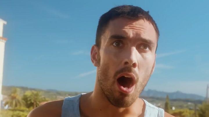 Pierre Oriola, protagonista del último videoclipo de Búhos