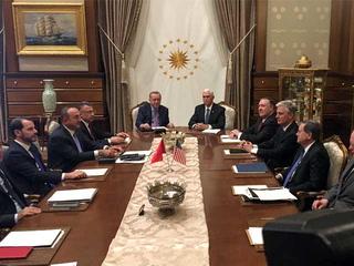 ترکی نے امریکا سے مذاکرات کے بعد کردوں کے خلاف فوجی آپریشن روک دیا